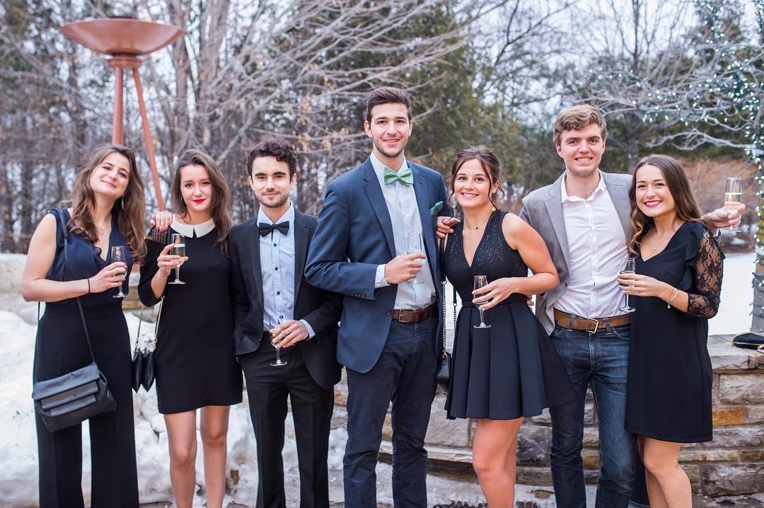 Photo de groupe des étudiants en échanges de l'Université Paris 1 Panthéon-Sorbonne