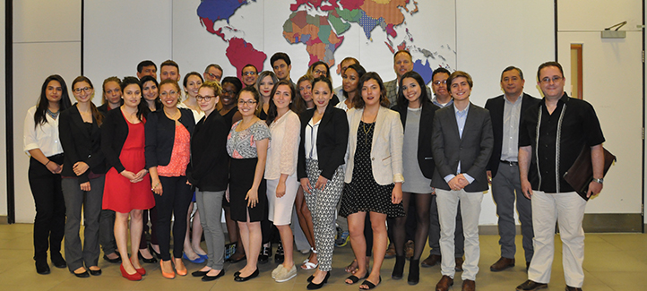 Photo de groupe des étudiants et professeurs du cours L'ordre juridico-politique en Amérique latine et ses relations avec le Canada